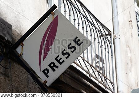 Bordeaux , Aquitaine / France - 07 25 2020 : Presse French Shop Text Sign And Logo On Press Store