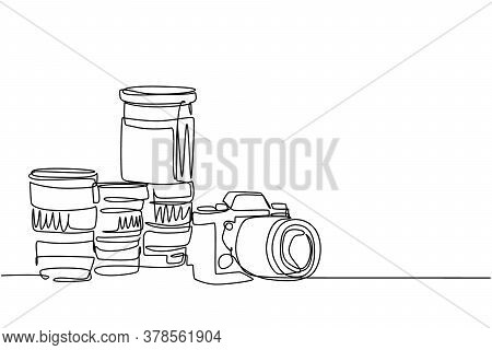 One Single Line Drawing Of Old Retro Analog Slr Camera With Set Of Telephoto And Wide Lenses. Vintag
