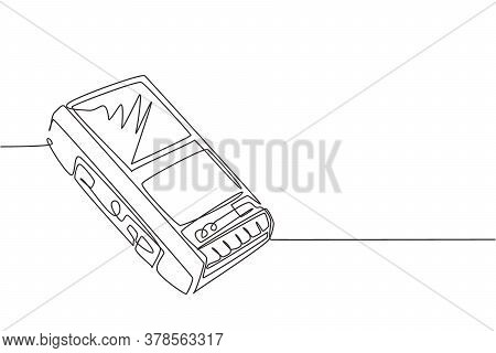 One Continuous Line Drawing Of Retro Old Classic Analog Portable Cassette Tape Recorder. Vintage Mob