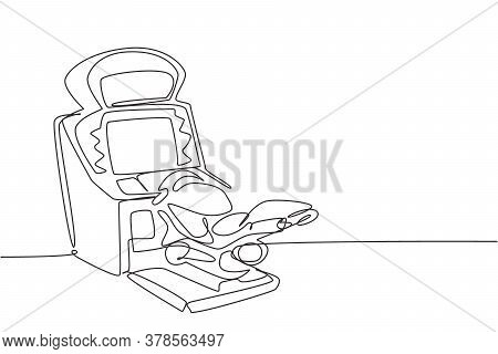 One Continuous Line Drawing Of Retro Old Classic Motorcycle Racing Video Game Machine. Vintage Arcad
