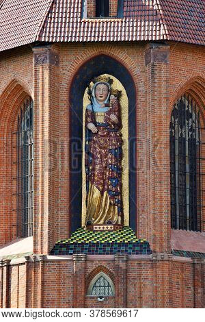 Malbork, July 15: Statue Of Madonna Or Blessed Virgin Mary With Child At Teutonic Order Castle On Ju