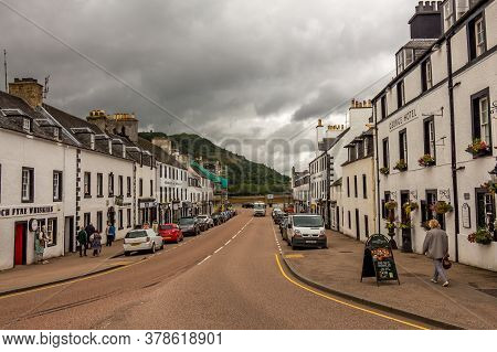 Inveraray, Scotland - July 14th 2016: The Main Street Of The West Coast Of Scotland Town Of Inverara