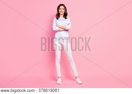 Full Length Photo Of Beautiful Lady Toothy Beaming Smiling Good Mood Self-confident Bossy Worker Arm