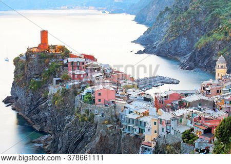 Evening light in Vernazza Village, Cinque Terre, Italy, Europe