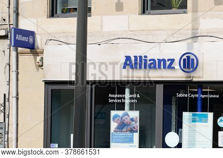 Bordeaux , Aquitaine / France - 07 25 2020 : Allianz Insurance Logo And Blue Text Sign On Wall Agenc