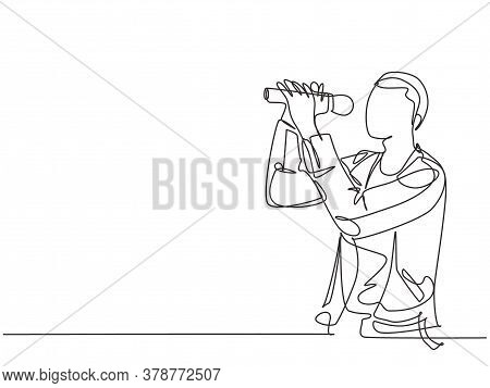 One Single Line Drawing Of Young Happy Male Rock Singer Holding Microphone And Singing On Music Fest