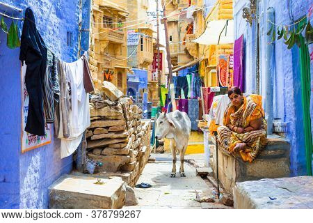 Colors of traditional India. Shop streets in old town Jaisalmer. Rajastan. Feb 2013
