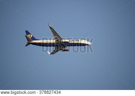 San Pedro Del Pinatar, Spain - September 21, 2018:a Ryanair Boeing 737-800 (flight Number Ei-dbw) Is