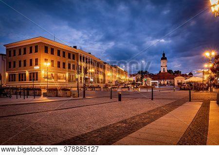 Bialystok, Poland - July 31, 2019: Kosciusko Main Square With Town Hall In Bialystok At Night, Polan
