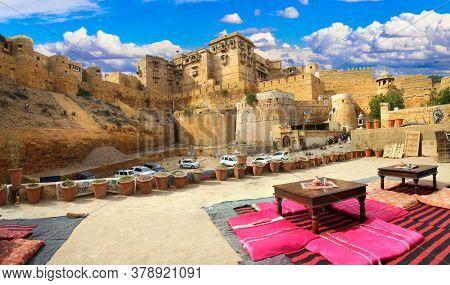 Jaisalmer - wonderful city in the desert called