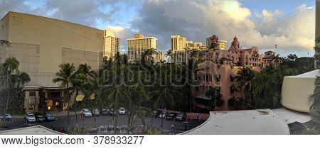 Waikiki - October 12, 2019: Drop Off Area Of The Royal Hawaiian Hotel And Shopping Center Seen From