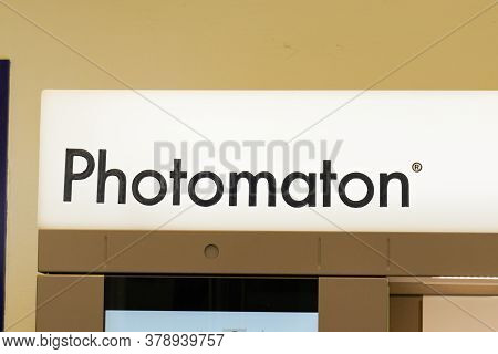 Bordeaux , Aquitaine / France - 07 25 2020 : Photomaton Sign And Text Logo Of Terminal Machine For P