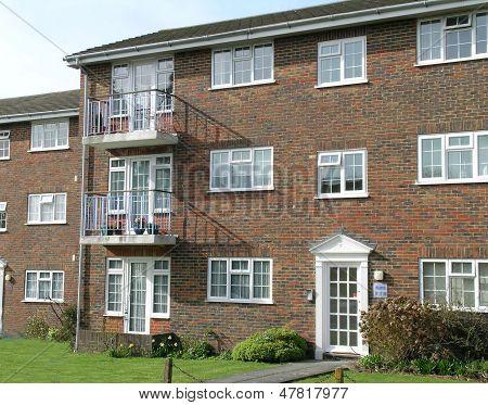 english flat/apartment