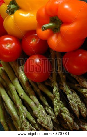 Asparagus_pepperstomatoes