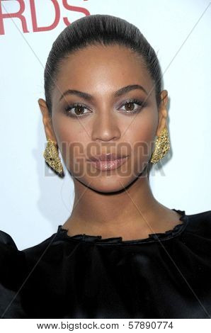 Beyonce Knowles  at the Los Angeles Premiere of 'Cadillac Records'. The Egyptian Theater, Hollywood, CA. 11-24-08
