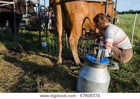 Milkmaid Farmer Woman Milking Machine Pumps