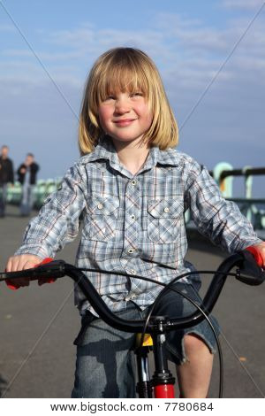 Boy,child,bicycle,cycling,riding,outdoors,ride,bike,kid,leisure,activity,exercise,exercising,portrai