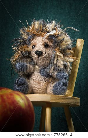 Artistic Compositions With Knitted Animals. Crew Cut