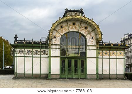 The Art Nouveau pavilion on Karlsplatz was erected by Otto Wagner in 1898 in the course of Stadtbahn construction Vienna poster