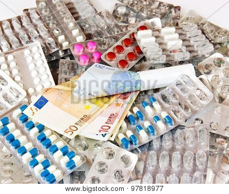 The cost of drugs. some drugs and money in Euro.