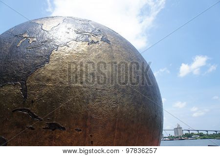 The World Apart aka The Cracked Earth monument in Savannah, GA