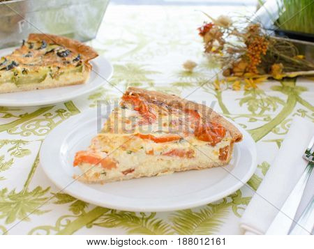 Quiche de tomate y queso. Tomato and cheese quiche.