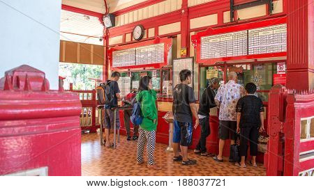 Hua Hin, Thailand - April 01,2017: Local People And Tourist Waiting In Line For Buying Train Ticket