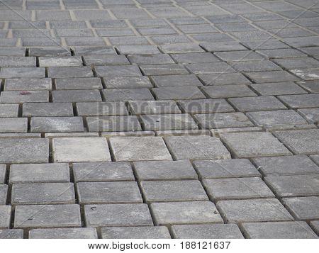 Irregular Laid Paving Stones