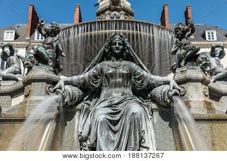 Fountain of the place Royale in Nantes in long exposure