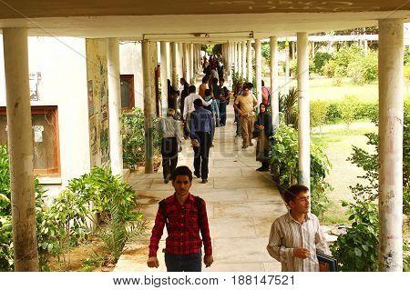 University of Karachi - Students in Arts Lobby 25/09/2012