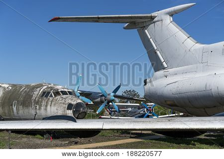 old abandoned airplanes in the grave yard