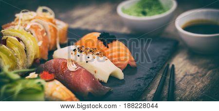 sushi roll raw makki fresh food seafood susi.