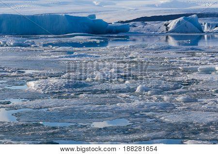 Ice froating over Jakulsalon lagoon Iceland winter nautural landscape backgroud