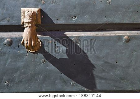 Abstract  House      Italy  Lombardy          Closed  Nail Rusty