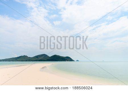 Idilyc Tropical Sand Sea Shore On An Island