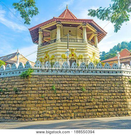Malwathu Maha Viharaya Temple