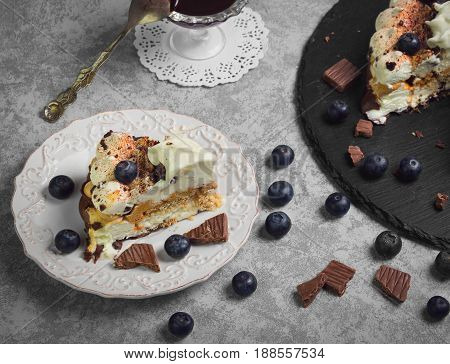 Chocolate-berry Savoyardi Ice-cream Cake