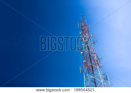 Communication Tower, High Power Wifi Antenna Post Hotspot Long Range Digital Data Transport