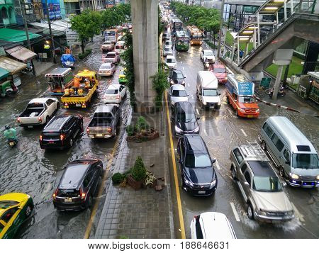 Bangkok Thailand - MAY 252017 : Terrible flooding in early morning on workday caused from heavy rainy all night