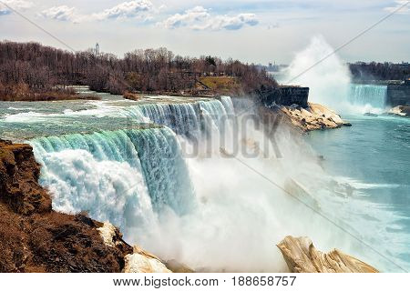 Niagara Falls Usa Early Spring