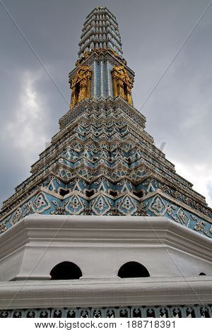 Thailand  Bangkok   Rain      Palaces   Asia Sky    And  Colors