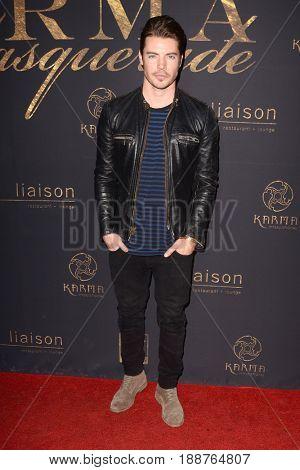 LOS ANGELES - MAY 20:  Josh Henderson at the