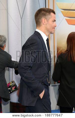 LOS ANGELES - MAY 25:  Chris Pine at the