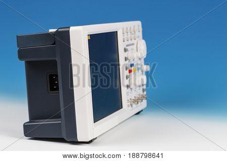osciloscope on lab table
