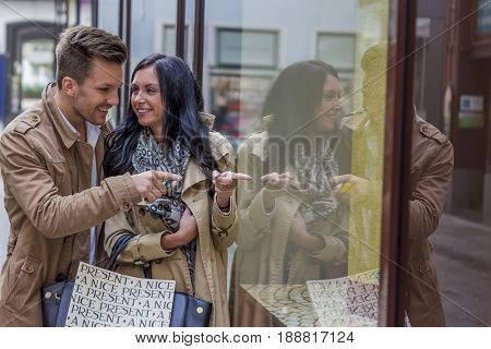 shopping couple at