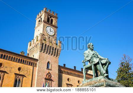 Italy, Busseto, the Giuseppe Verdi monument in front of the Pallavicino Rocca