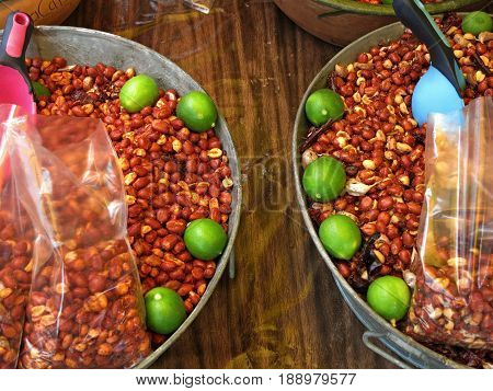 spicy Peanuts flavored with lemon and chili