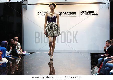 CROYDON, LONDON - JUNE 18 : Model in Fashion Festival on June 18, 2008 in Whitgift Shopping Centre, Croydon, England.