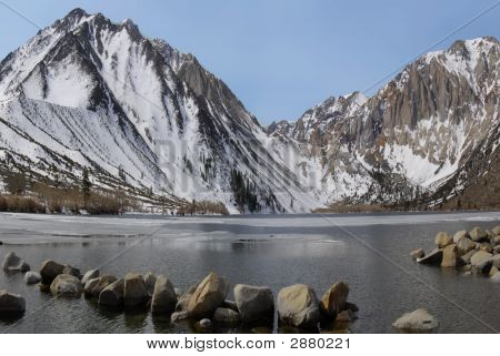 Convict Lake In The Eastern Sierra Nevada Mountains