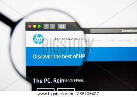 Los Angeles, California, Usa - 5 March 2019: Hp Website Homepage. Hp Logo Visible On Display Screen,